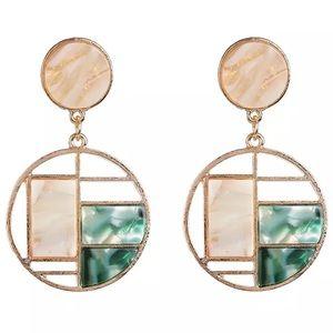 Jewelry - Geometric drop earrings
